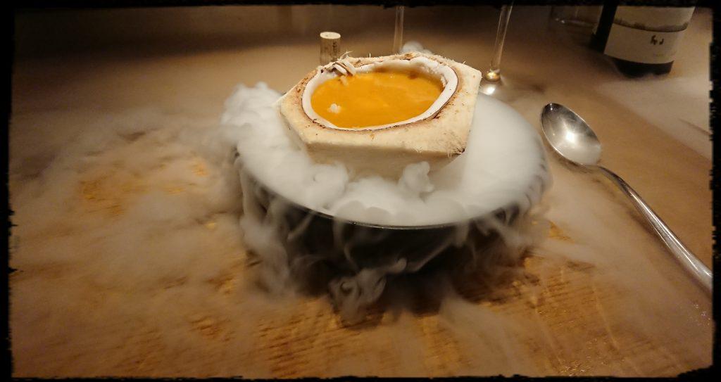 karrysuppe med rejer og ferskner